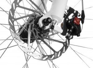 11293889-mountain-bike-con-la-ruota-anteriore-freno-a-disco-meccanico-su-sfondo-bianco